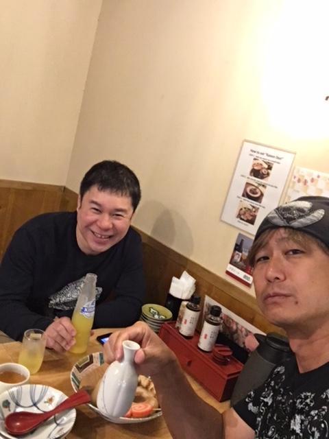 リフレッシュの休暇中という事もあり、昼間っから金澤おでんで日本酒飲んで来たぞ(笑)<br /><br />こんな時くらいしか出来ないからね(笑)<br /><br />友人は、昼間っから飲むのかよ!といってオレンジジュース飲んでたけれどね(苦笑)<br /><br />あ、ちなみに、いつもは、昼間から飲みませんので悪しからず(笑)