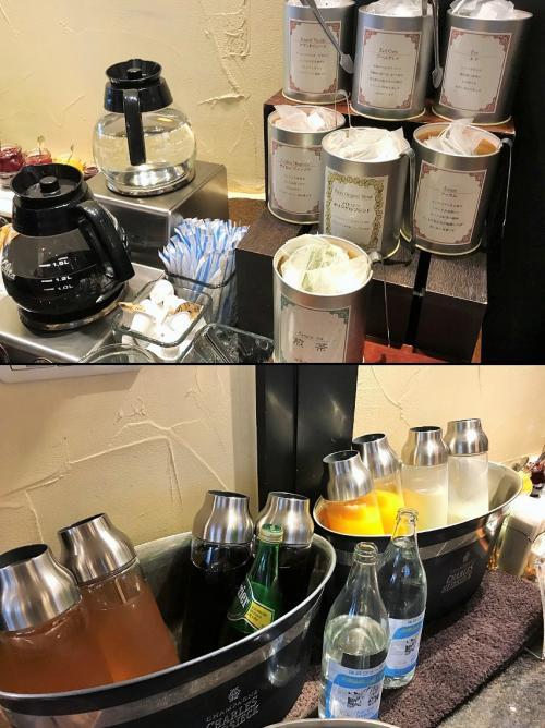 神戸紅茶とポットコーヒー★<br />ティーパックの紅茶は良いとして、コーヒーが既に作り置きのものっていうのは今時どうかしら?<br />日本一の朝食に首を傾げてしまうなぁ~<br />もちろん、カフェオレやアメリカンと言ったコーヒーはありません。<br />ジュースはオレンジジュースと葡萄ジュースのみ。<br />牛乳も1種類だけ。後は、黒豆茶と炭酸水と水!<br />日本一の朝食なのに、やっぱり物足りないなぁ…