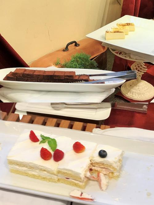 果たしてケーキを朝食と呼ぶんだろうか?<br />デザートって意味でケーキがあるのはわかるけれど、その場合朝食もしっかり用意されてないとねー<br />ケーキだけ豊富にあっても、それは単なるデザートブッフェ。