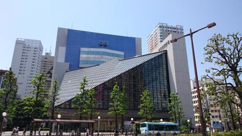 1年振りの東京芸術劇場です。<br />プレイハウスで12時半開場ですが、11時前に到着。<br />劇場内のレストランがオープンしたらランチしようという計画です。
