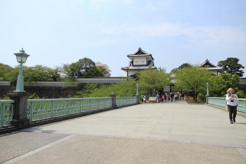金沢城は加賀藩の居城です。