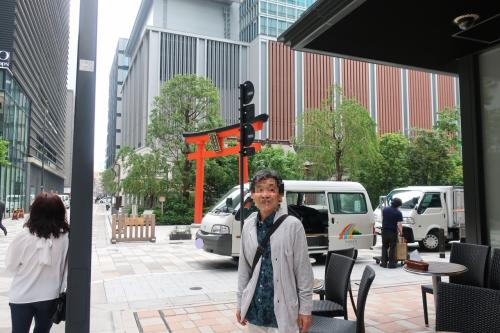 チケット発券後、上映まで時間があったので『福徳神社(芽吹稲荷)』へ。
