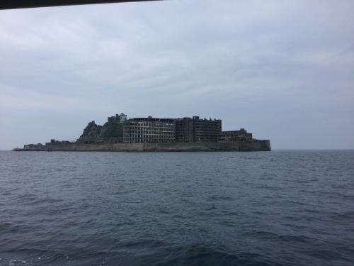 揺れが少ない中、軍艦島到着。