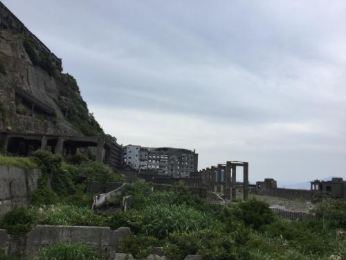 右側に門が並んでいますが、これはベルトコンベア。石炭運搬船に積み込まれていた。これから港に帰り、島原へ移動となる。
