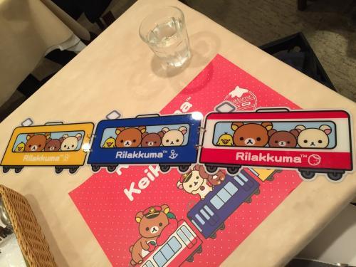 ちなみに、このかわいい3両の電車、裏がメニューになっているんです! コラボ期間が終わったらこのメニュー欲しいくらい(笑)。