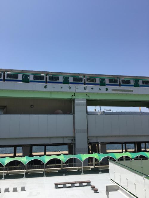 三ノ宮駅から乗って来たポートライナー