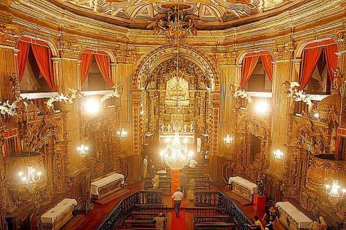 Basilica Menor de Nossa Senhora do Pilar(ノッサ・セニョーラ・ド・ピラール教会)<br />内装に金箔 480kgが使われ、往時の繁栄ぶりを今日に伝えている。<br />