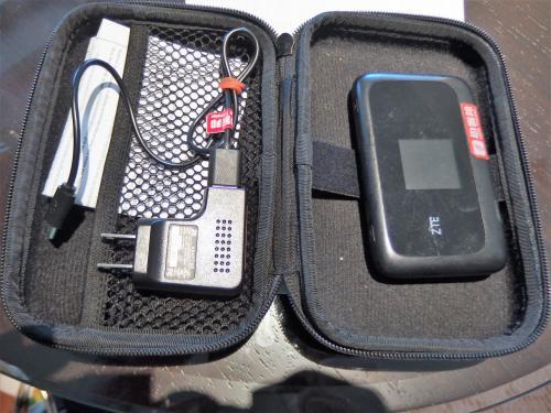 中に入っているのは中華電信LTEのSIMで、快適な速度でした。<br />