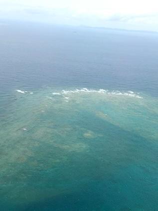 おお~ この海の色、綺麗~(≧∇≦)