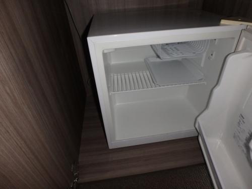 冷蔵庫は空・・・・^^;