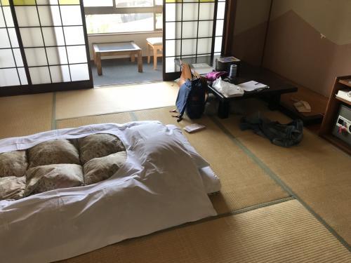 疲れたので早々に宿へ。<br />和室は初めてでした。<br />布団で寝るの久しぶりだったなー。<br /><br />温泉も2度頂きました。