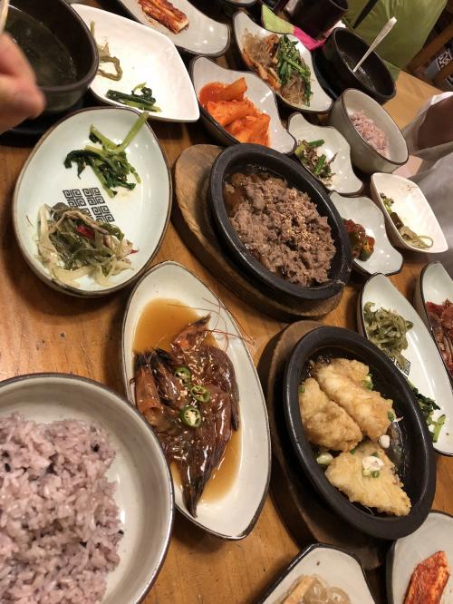 夜ご飯は韓定食‼️品数が多過ぎ~💦