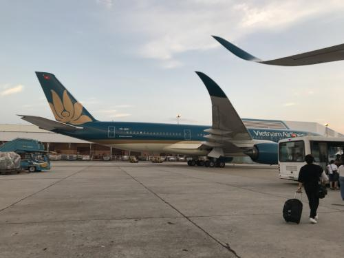 ホーチミン→ハノイへはベトナム航空を利用<br />ベトナム航空に勝手にフライトを1便遅らせられるというトラブルもありつつ、無事ハノイ到着