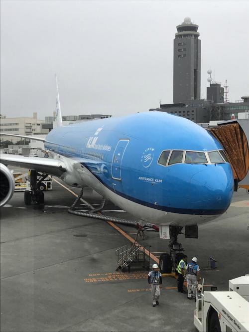 初めて乗るKLMオランダ航空。