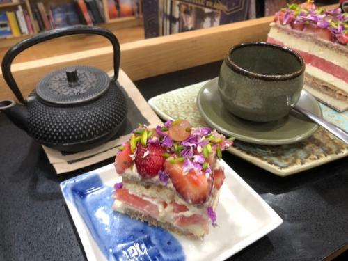 南半球最大の書店の中にある人気のスイカケーキが食べれる喫茶