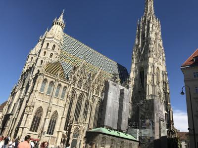 ウィーン散策。まずは、シュテファン寺院