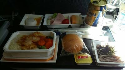 ANAの機内食<br />食べたら到着まで寝なければー。