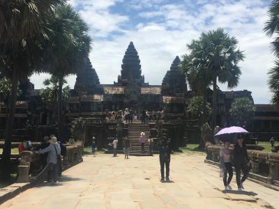 ここが世界遺産になるのもわかるくらい壮大な寺院