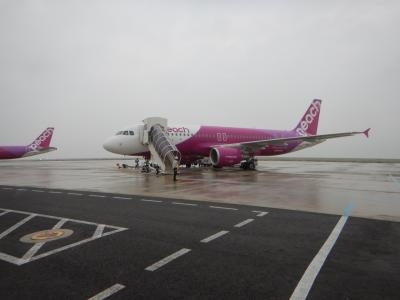 関空よりピーチで出発。先日の台風で被害を受けた関空は、この日よりターミナルが正常運行でした。