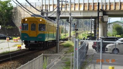 で、これがその富山地方鉄道の電車。2両編成でした。