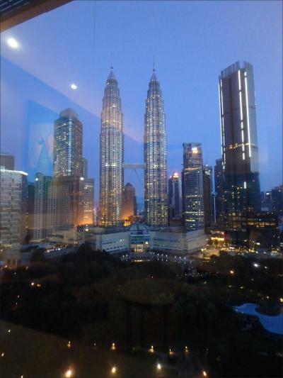 10月30日(火)6:42 AM<br /><br />おはようございます。<br /><br />KL滞在最終日の朝が静かに明けようとしています・・