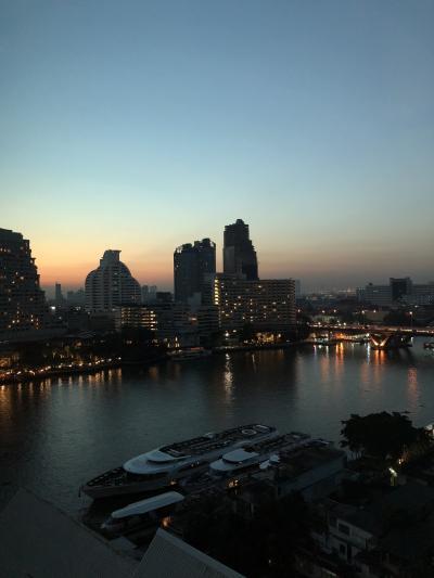 3日目も早起きして、観光します。<br />バンコクの寺院を電車と水上バスを駆使して回ります。