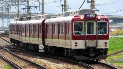 平端から近鉄天理線に乗って7分、終点の天理へ向かいます。天理線はわずか3駅の路線ですが、西大寺や京都への直通電車もあり乗客は多いようです。