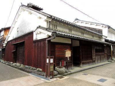 称念寺の向かいにある中橋家は江戸時代には米屋を営んでいたそうです。