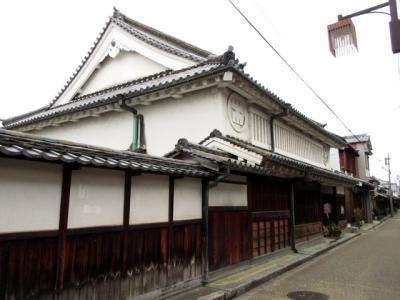 豊田家は幕末には大名貸しを行い、藩の蔵元等を務めていた豪商です。今井町の中でもかなり古い上層町家で、1662年に建てられたもの。