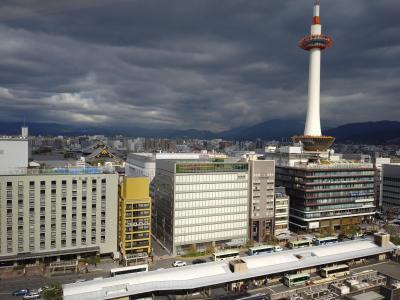 全国から集まるので、時間はそれぞれランチをとってから集合。市場小路 JR京都伊勢丹店からの眺めは最高です。