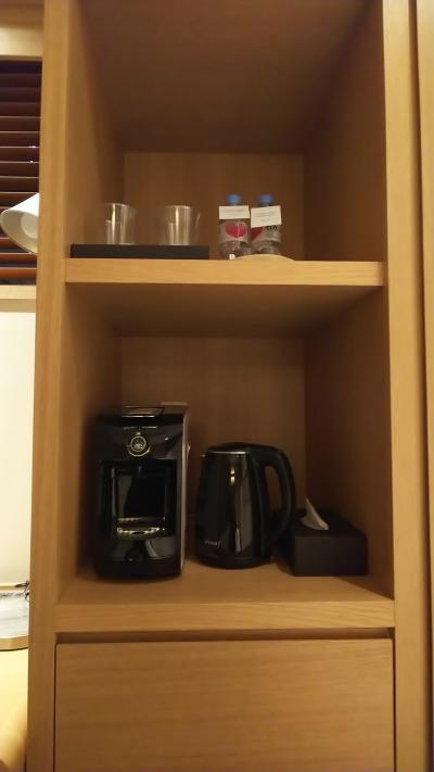 このホテルにはコーヒーマシーンが付いてます。<br />ホテルで美味しいコーヒーが飲めるのが、お気に入りです。