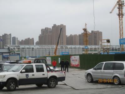 <br />工事現場で近くには寄れません。地下鉄11号線陳翔路駅新駅工事。<br />