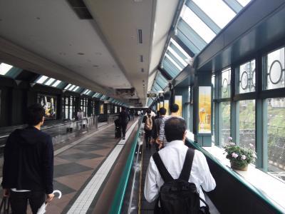 「大石芳野写真展 戦禍の記憶」展が開催されているのは、恵比寿にある東京都写真美術館。会期は5月12日までだから、今すぐ行かなければ。<br />恵比寿駅からガーデンプレイスに続く長い歩道橋を歩く。いやコンベアーに乗っていく。