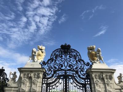 今日は現地ガイドさんとベルヴェデーレ宮殿へ
