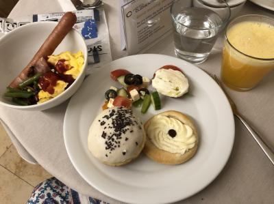 ホテルclementin での朝食2度目。さあ、明日はチェスキークルムロフ移動日なので、プラハの街を満喫するべく、エネルギー蓄えるよ!