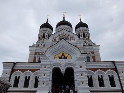 エストニアのタリン入港<br /><br />午前中は、市内観光<br /><br />最初にアレクサンドル・ネフスキー大聖堂へ<br /><br />ロシア正教会<br />タリンの正教会の聖堂として最も壮大で豪勢なものとのことです
