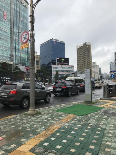 旅行3日目…8月12日(月)<br />日本は祝日だが、韓国は普通の月曜日<br />少し前に雨は上がったようだが、曇天