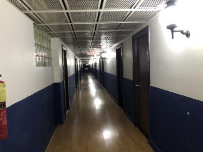 ホテルの廊下<br /><br />廊下は、冷房はナイので汗が出ないように、ゆっくり歩き
