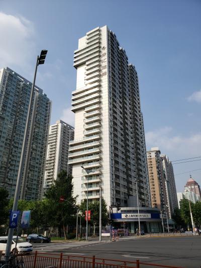 上海最終日です。<br />天気は快晴、4日間お世話になったホテルともお別れです。<br /><br />関東を中心に台風15号が猛威を振るっていることなど、この時は知る由もありませんでした。<br />被害に遭われた方々には心よりお見舞い申し上げます。<br /><br />そして、この快晴に私たちはすっかり気を抜いていました、、