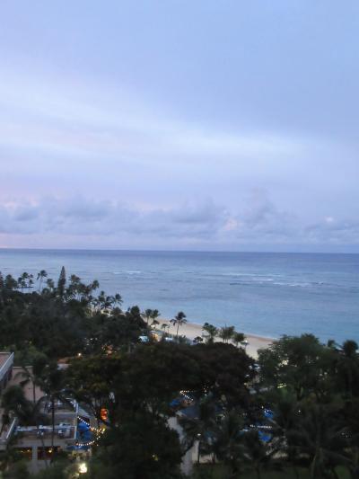 2日目朝!<br />部屋から朝の海を眺めます。<br />