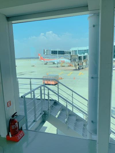 出発~!<br />チェジュ航空は美男美女が多くて<br />乗りやすくて、雰囲気も好きです。