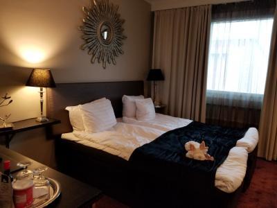 ARCTIC CITY HOTELに泊まりました。お部屋はこんな感じ。癒しのトナカイが寝そべっています