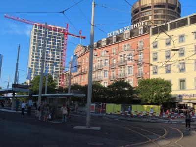 宿泊先のバーゼルをようやく観光します。<br />中央駅前のホテルを出発。<br /><br />