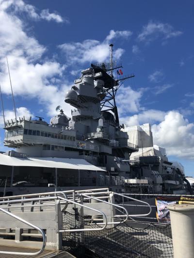 戦艦ミズーリは、1944年にニューヨーク海軍造船所で浸水しました。<br />全長270.4m、最大幅33m、高さ66mです。<br />太平洋戦争・朝鮮戦争・湾岸戦争に参戦し、1998年から、パールハーバーで公開されているそうです。