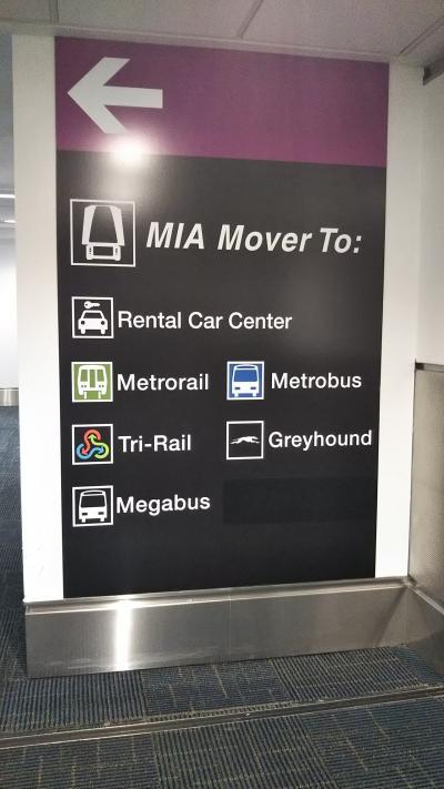 マイアミ空港に着き