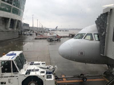 ソウルで冬ものをお買い物したい、とう仕事仲間のお誘いでソウルに行くことに。<br /><br />あいにくの雨ですがソウルはどうかな?