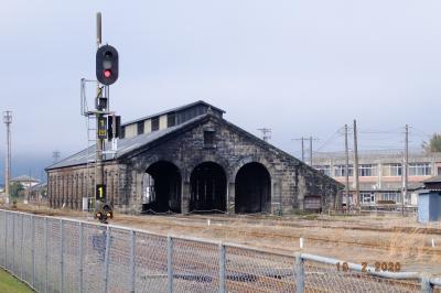 石造りの工場?これも鉄道近代化遺産の一つか。<br />鉄道ミュージアムは残念ながら水曜日が定休日で入れませんでした。