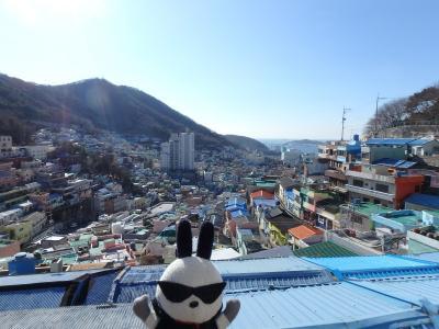まずは下関から釜山に到着し、チャガルチ市場で朝食を取った後の行動を....。<br /><br />同行者の要望でバエスポットへ。<br />地下鉄・土城駅から徒歩で移動。急な坂道を見たすら歩いて到着。