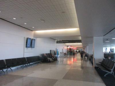 ヒューストンジョージブッシュ国際空港に到着です。