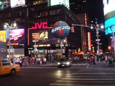 確か着いたのは晩。<br />早速タイムズスクエアに。